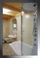 la doccia con idromassaggio nel bagno - clicca per ingrandire